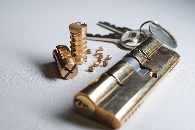 Cylindrická vložka a součástky